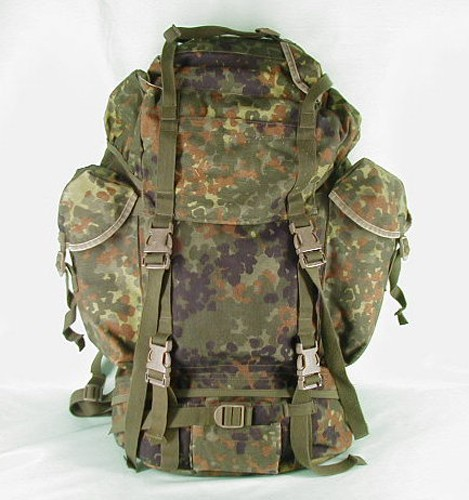 original bundeswehr kampfrucksack flecktarn gebraucht. Black Bedroom Furniture Sets. Home Design Ideas