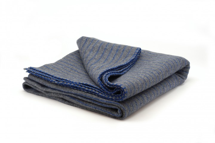 2 Stück Dänische Wolldecke grau-blau
