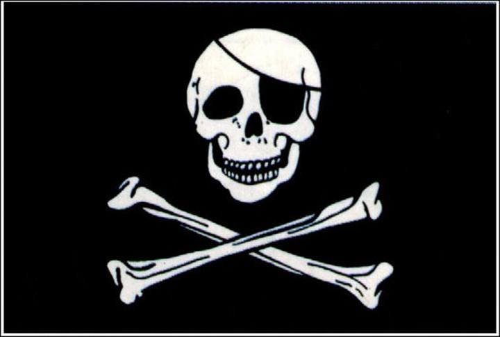 Flagge Pirat mit Totenkopf